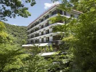 須雲の緑に囲まれた自然豊かな森のホテルです。