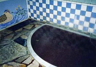 御風呂は源泉かけ流しの家族風呂が3つあり、すべて貸切利用が可能です。