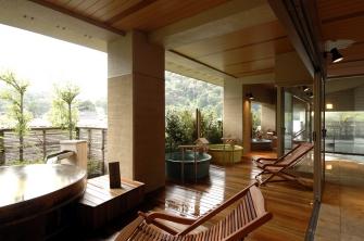 箱根の山々を眺めながら趣の異なる3か所の露天風呂