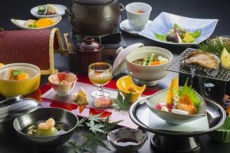 季節感ある山海の料理をご賞味いただきます。