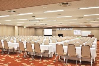 利用目的に合わせて、研修や総会など様々な会場にご対応します。